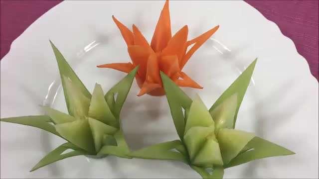 میوه آرایی / طرح گل با هویج و خیار