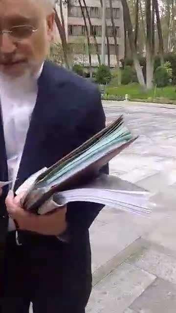 واکنش دکتر صالحی به ثبت نام احمدی نژاد در انتخابات96