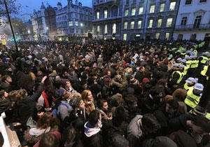 تظاهرات مردم لندن در اعتراض به اقدام ترزامی