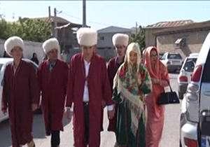 رای دادن عروس و داماد ترکمن
