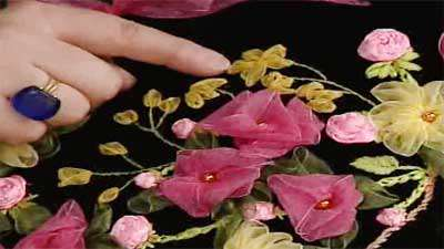 ساقه دوزی و گلبرگ