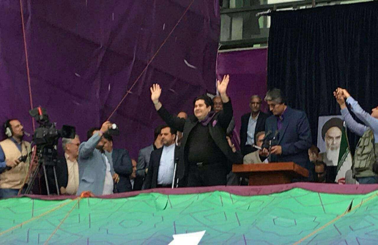 اجرای زنده سالار عقیلی در ورزشگاه تختی مشهد