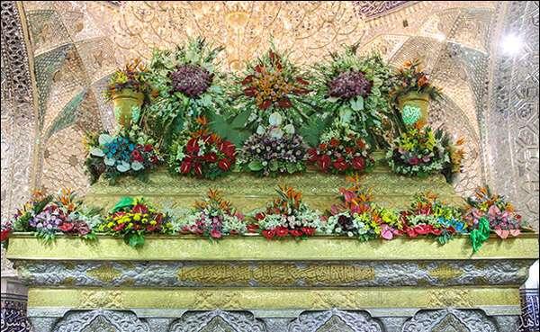 گل آرایی حرم مطهر امام حسین علیه السلام