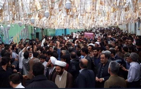رئیسی با استقبال هواداران وارد زنجان شد