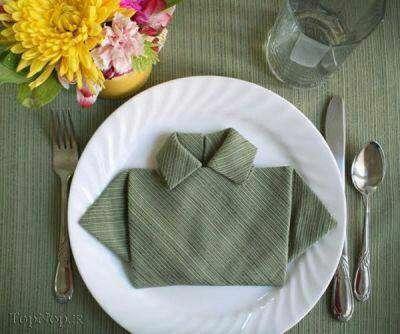 دستمال سفره به شکل پیراهن مردانه
