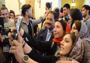 سلفی باران حمید معصومی نژاد در پای صندوق رای شهر رم
