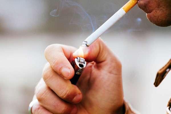 آیا روزه داران می توانند سیگار  یا قلیان بکشند؟