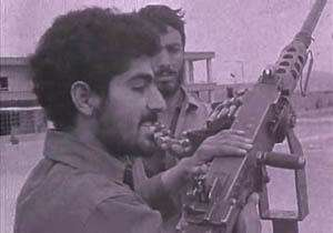 فیلمی دیده نشده از حضور سردار سلیمانی در جبهه