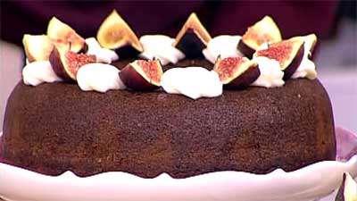 کیک کارامل و میوه
