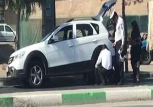 یاری رساندن ماموران پلیس به راننده معلول