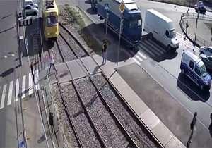 عبور قطار از روی یک زن، پای او را قطع کرد