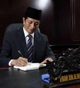 Imam Besar Masjid Istiqlal Sebut Masalah Ketimpangan Ekonomi Saat Ini