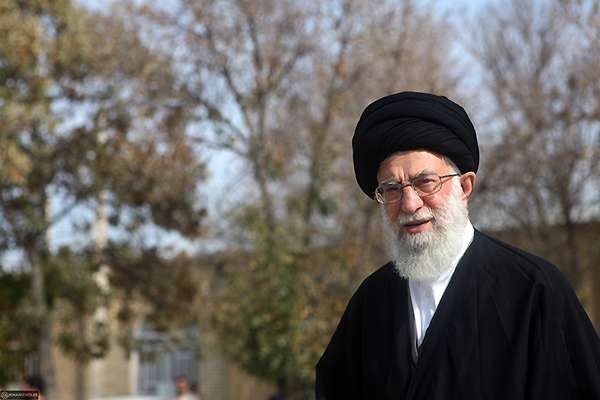 لحظاتی از حضور رهبر انقلاب در حرم عبدالعظیم حسنی