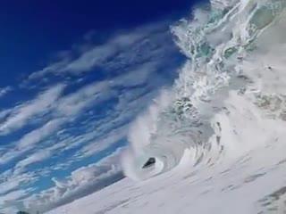 صحنهای زیبا و شگفتانگیز از یک موج...