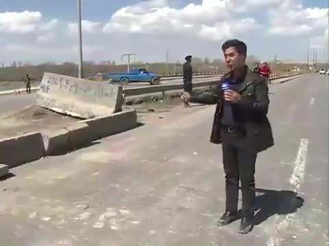 🎥 علت اصلی گرفتار شدن خودروها در  سیل غله زار آذر شهر