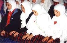 چرا شیعه نماز تراویح نمی خواند ؟