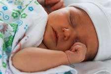 مشکل نخوابیدن نوزاد در شب