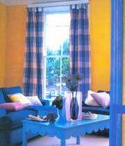 اتاق نشیمن با ترکیب رنگ های زرد و آبی