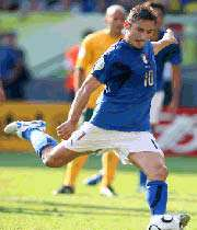 توتی هافبک درخشان تیم ملی ایتالیا