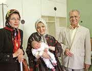 نوزاد متولد شده توسط عمل سزارین با هیپنوتیزم