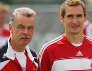 کلوزه در کنار هیتسفلد مربی جدیدش
