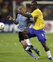 برزیل به کمک تیر دروازه به فینال رسید