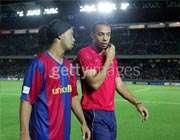 آنری و رونالدینیو دو ستاره بارسلونا