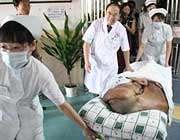 جراحی تومور 15 کیلویی در صورت مرد چینی