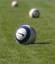 مدرسه های فوتبال راه اندازی می شود .