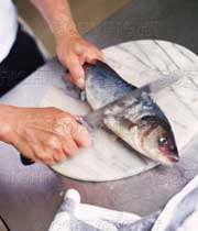 پاک کردن ماهی