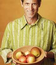 یک بشقاب سیب