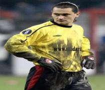 Football: Vedran Runje signe à Lens.