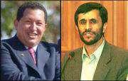 Mahmoud Ahmadinejad et Hugo Chavez s'entretiennent par téléphone.