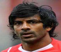 Football: Vikash Dhorasoo signe à Livourne.