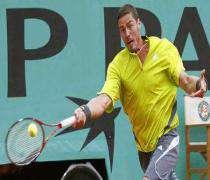 Roland-Garros: Marat Safin s'est qualifie pour le 2e tour.
