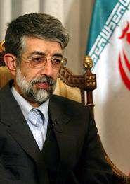 Ali Hadad-Adel:Les puissances du monde ne sont heureuses du progrès de l'Iran.