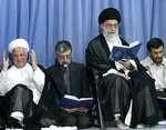 Церемония памяти покойного аятуллы Мешкини в присутствии духовного лидера Исламской революции