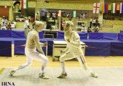 На острове Киш стартовали международные соревнования по фехтованию