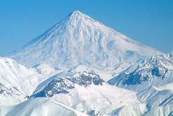 горная вершина дамаванд