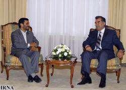 Президент Таджикистана предложил провести встречу глав персоязычных стран