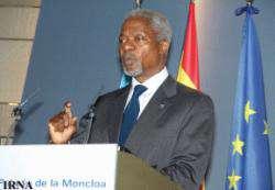 Кофи Аннан призвал Джорджа Буша привлечь Иран и Сирию к поиску путей урегулирования в Ираке