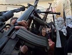 El Aksa Şehitleri Tugayı'ndan silah teslimi