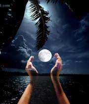 ماه، شب ، تاریکی ، دست