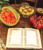 سلامتی در شب انار و هندوانه