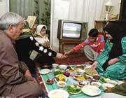 رهنمودهای اسلام درباره خوردن غذا