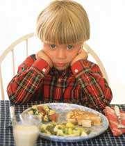 بهانه گیری کودک سر غذا خوردن