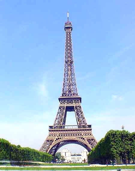 essay about paris france Paris - fashion capitol of the world in this essay, i will discuss how the paris, france, came to be the first fashion capital of the world.