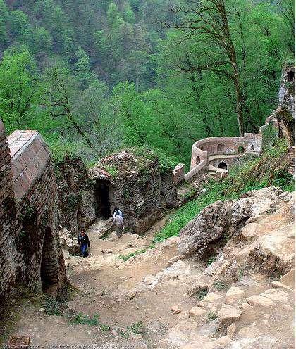 تصاویر دیدنی از قلعه رودخان