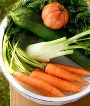 سبزیجات برگ سبز و برگ زرد