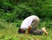 چه کنم در نماز حضور قلب داشته باشم؟!